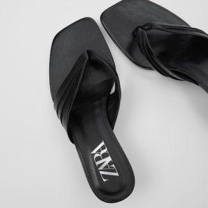 NWT Zara Leather Black Tong Sandals Heels